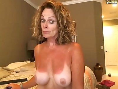 49 yo Mom is an excellent stripper
