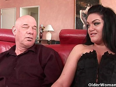 Milf Alyssa gets fucked by thick cock